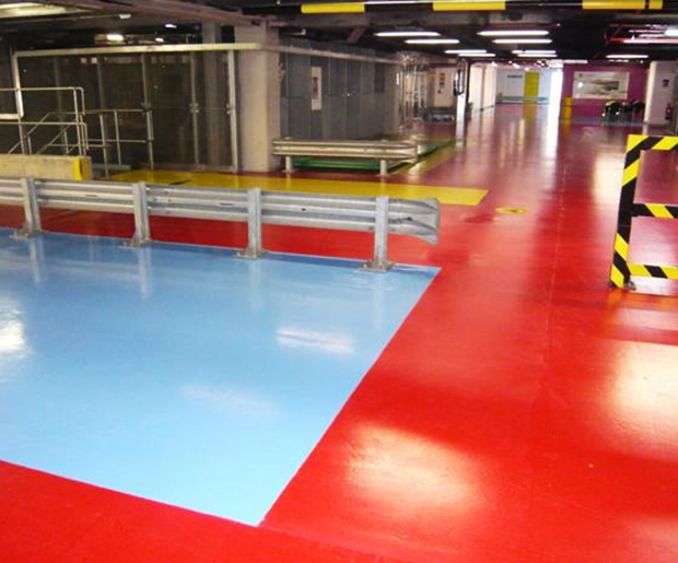 Resutop Cold Cure is a fast curing epoxy resin for application at low temperatures down to 5°C as a chemical resistant heavy duty floor coating at a thickness from 200 to 250 microns.