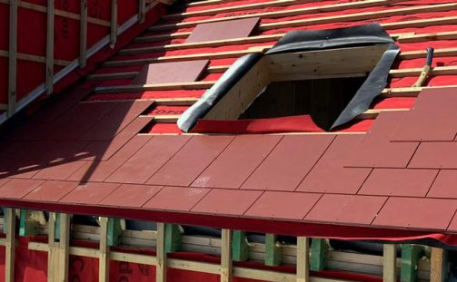 Roofing Underlays: Choosing between Breather and Non-Breather Felts