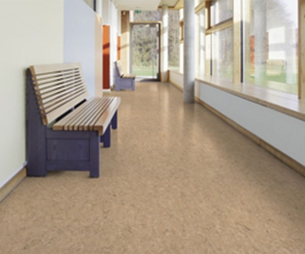 natural acoustic option, easy to install and to live with, is a 2mm Veneto xf²™ linoleum with a jute backing and Elafono cork under layer