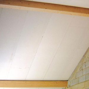 UNIPUR GFB is a self-supporting roof panel with a 12.5mm water-resistant chamfered gypsum fibreboard fixed to three timber rafters.