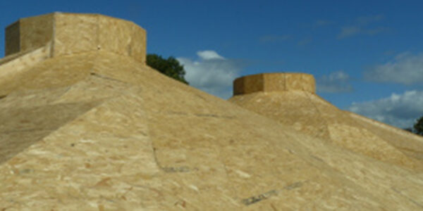 Atypical Roof Construction – Roundwood Straw Bale House